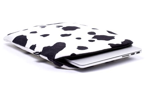 Print Pro Air Mini cow macbook sleeve white black