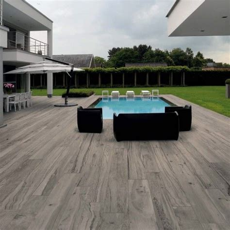 can you believe this is a porcelain paver woodtalk plank