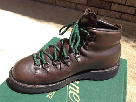 danner mountain light vs mountain light ii danner danner mountain light ii men s 9 d