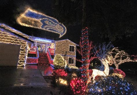ravenna christmas lights seattle area lights where to see dazzling displays the seattle times