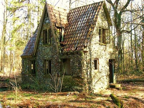 Denmark Cottages by Denmark Wwii In A Forest There Is A Moat Around This Cottage Tales