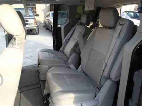 chrysler minivan with swivel seats sell used 2008 chrysler town and country salvage