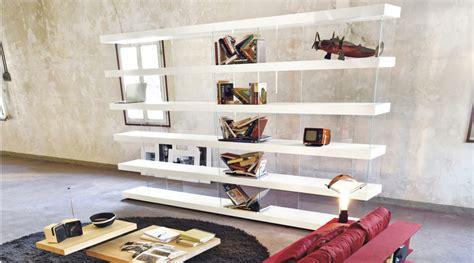 libreria sospesa design air la libreria sospesa in arredamente