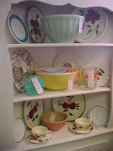 kitchencollectiblesspace43starcentermallvintageantiqueslin