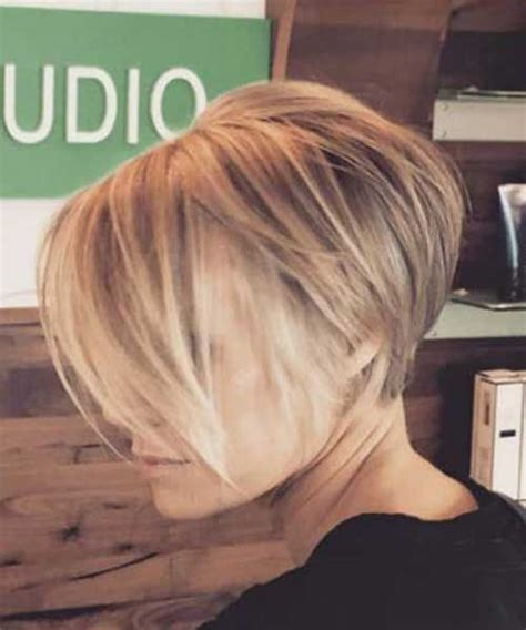 chin length pixie hairstyles best 25 pixie bob haircut ideas only on pinterest