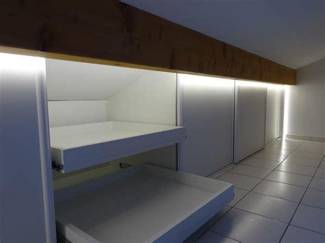 Tete De Lit Sous Comble 3909 by Lit Sous Pente De Toit Interesting Chambre Sous Toit