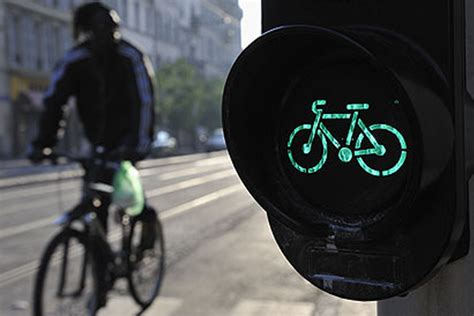 importance of traffic lights cyclists soon more important than car drivers pedelecs