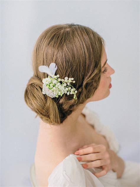 acconciature con fiori freschi fiori freschi acconciatura 2014 sposa8 look sposa
