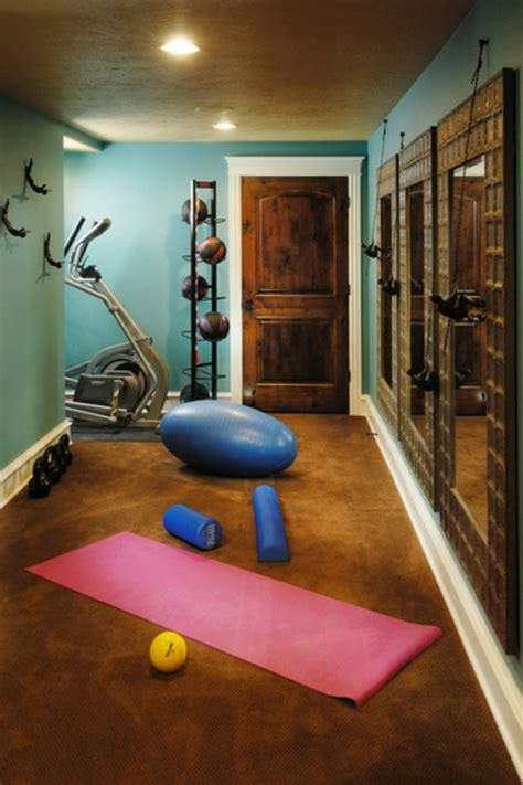 fitness übungen zu hause fitnessraum einrichten tipps und ideen f 252 r ein fitness