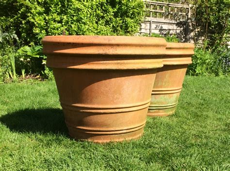 Large Patio Pots Large Ceramic Outdoor Planters Uk Modern Patio Outdoor