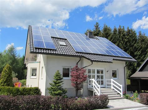 free your home through grid solar panels