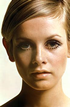 the two faces of twiggy at 59 how airbrushing in olay ad melvin sokolsky