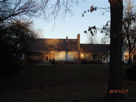 houses for sale ottawa ks 27 rockwood drive ottawa ks 66067 bank foreclosure info reo properties and bank