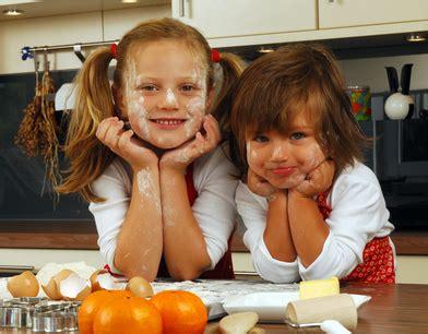 cuisiner avec ses enfants id 233 es de recettes 224 faire avec des enfants pratique fr
