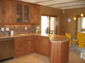 Kitchen Wall Color With Oak Cabinets What Color Paint Goes With Medium Oak Cabinets Home