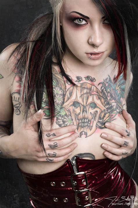 hot tattoo artists 50 fotos da bela tatuadora megan massacre