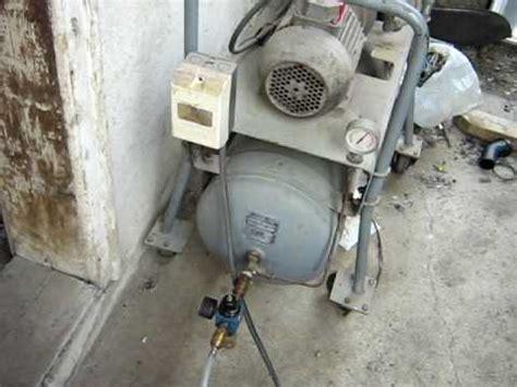 Kompresor Izumi inovacije na rotacionom motoru i kompresoru reporta緇a