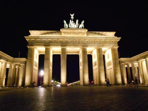 porta brandeburgo porta di brandeburgo viaggi vacanze e turismo turisti