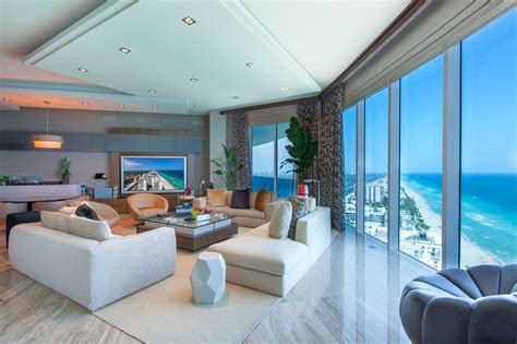 Home Theatre Design Books Condo With High Tech Features In South Florida Gentleman