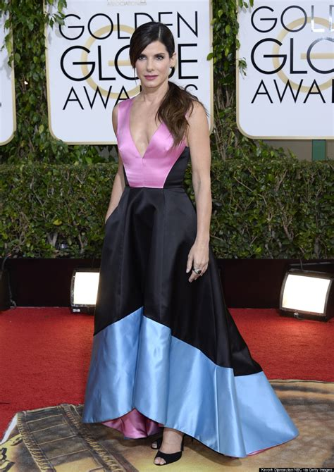 sandra bullock golden globes 2014 sandra bullock golden globes 2014 gravity star goes