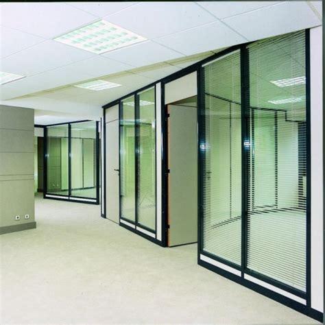 cloison de s駱aration bureau cloison mobile pour am 233 nagement d un espace bureau