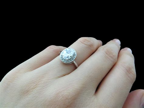 12 Tips On Choosing Engagement Ring by Tips On Choosing The Best Engagement Ring Hype