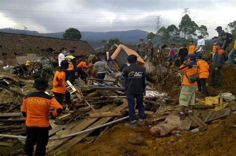 Buku Murah Banjir Dan Tanah Longsor Di Indonesia Erlangga For Ar banjir bandang dan tanah longsor di jawa tengah