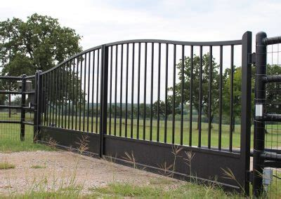 simply curved double iron gates aberdeen gate