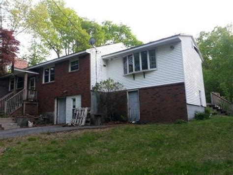 Homes For Sale In Leicester Ma by 198 Henshaw St Leicester Ma 01524 Reo Home Details Reo