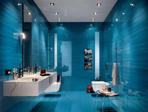 blaue badezimmerfliesen варианты оформления маленькой ванной комнаты плиткой 40