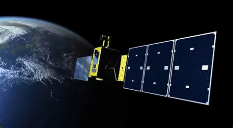 Space Craft Smallest Solar Powered Racing Car Green Murah japan closer to harvesting solar energy from space