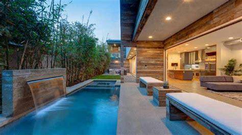 denah rumah  kolam renang terbaru
