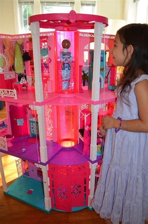 barbie house with elevator the 2013 barbie dreamhouse sponsored marinobambinos