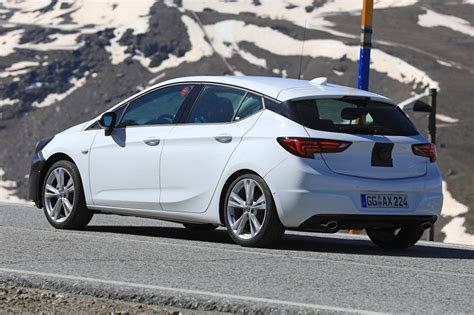 2019 New Astra by New 2019 Vauxhall Astra Facelift Pictures Auto Express