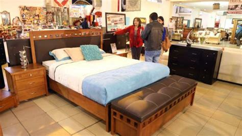bazar de muebles usados  beneficio del instituto