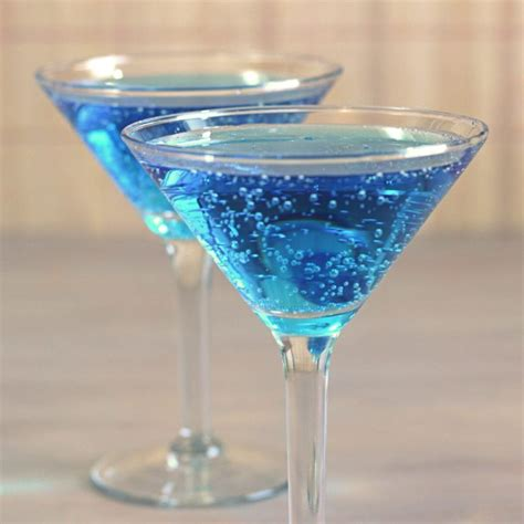 blue cocktails blue hawaiian punch alcoholic drink