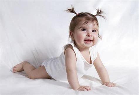 baby krabbeln wann krabbeln lernen entwicklung baby wunschfee