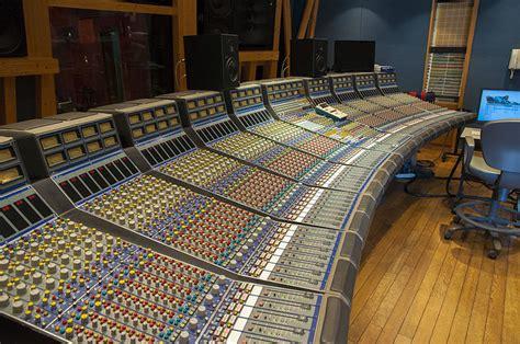 recording mixing console file focusrite console 02 jpg wikimedia commons