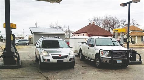 Dillons Garden City Ks by Gasoline Prices Stabilize News Dodge City Daily Globe