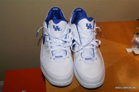 of kentucky basketball shoes nike air max lebron vii low of kentucky pe