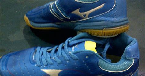 Sepatu Wakai Kelapa Gading sepatu tenis meja mizuno biru sock toko pingpong
