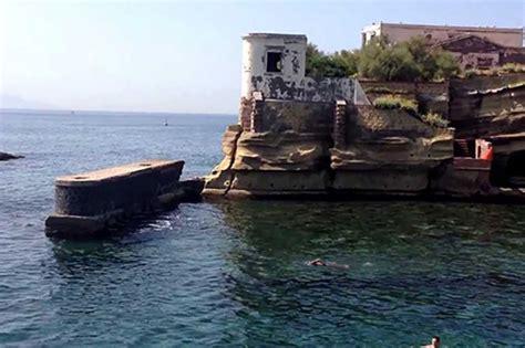 villa fiorita napoli le spiagge pi 249 tranquille di napoli e provincia