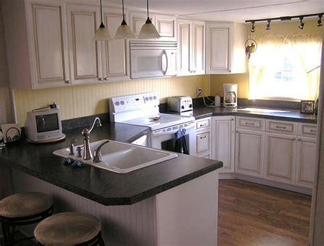 maple glazed kitchen   This kitchen is 10 feet wide, in a 72   Flickr