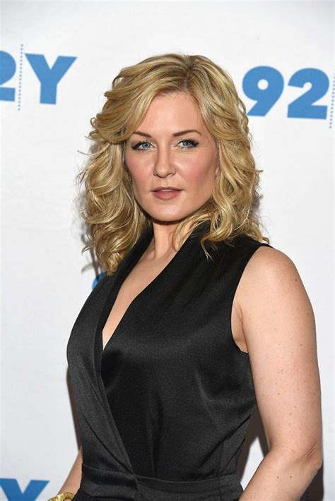 back view of amy carlson s hair amy carlson blue bloods 150th episode celebration 12