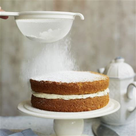 everything you ve always wondered about powdered sugar but