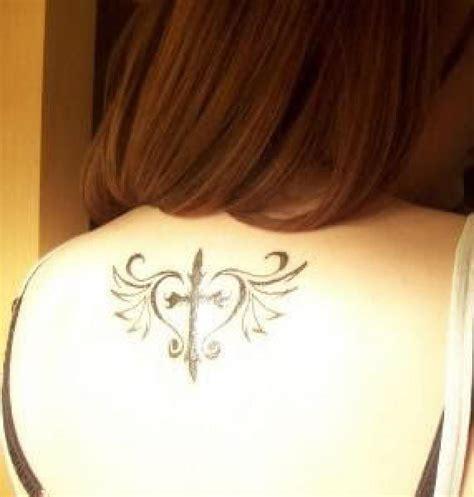 tattoo back middle as 25 melhores ideias de middle back tattoos no pinterest