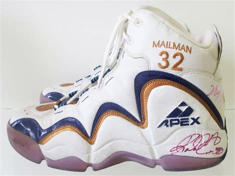 apex basketball shoes pe spotlight karl malone s apex mailman shoes sole