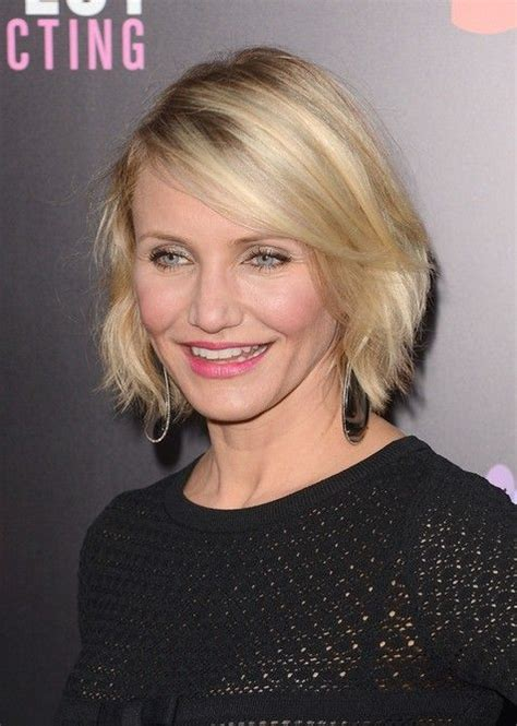 choppy bob in 40s hairstyle for women over 40 cameron diaz short bob
