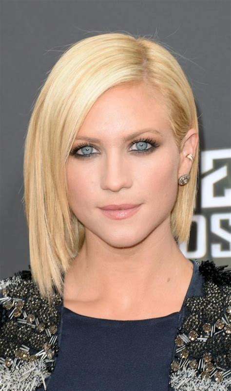 gradual bob hairstyle 10 trendy graduated bob hairstyles you can try right now