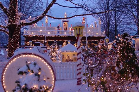 best lights in boston where to see boston lights and decorations